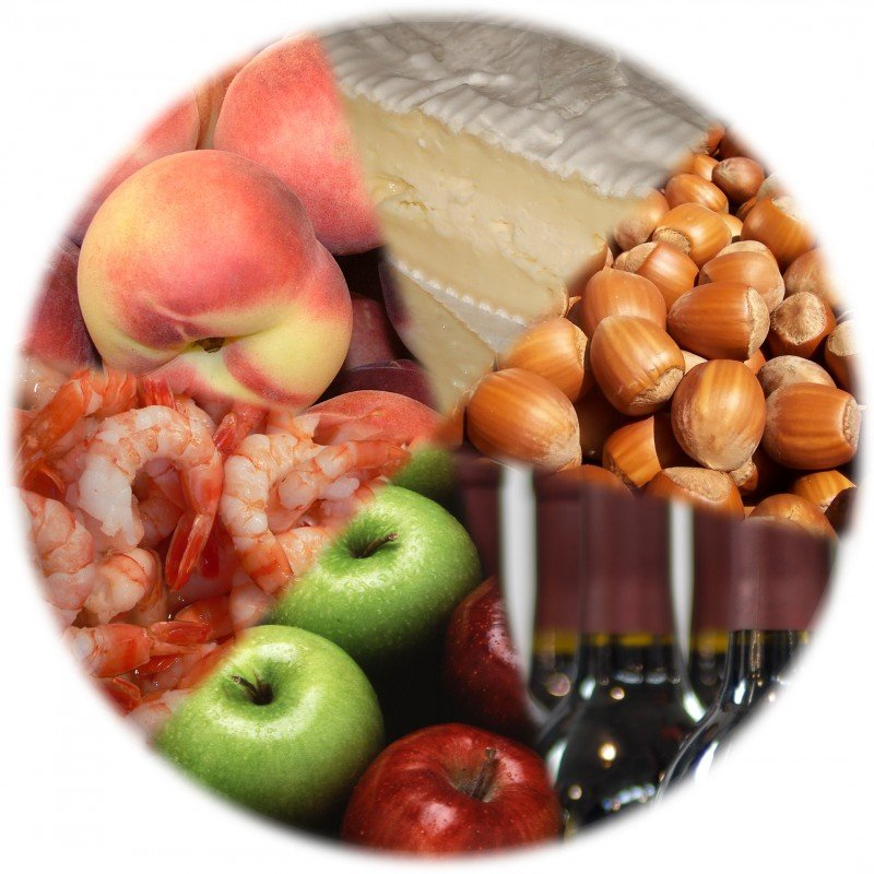 <p> Food types likely to cause <b>allergic reactions</b> in adults: drupe, cheese, nuts, wine, apples, and shellfish.</p>      <p>(c) David Castor</p>