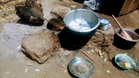 Three Stone Cooking Stove -image credits Martin Njoroge Kimani